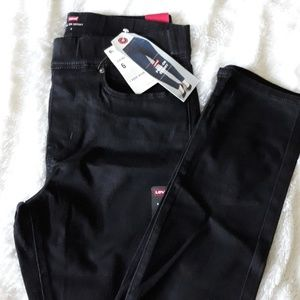 NWT Levi's Pull On Black Skinny Jeans